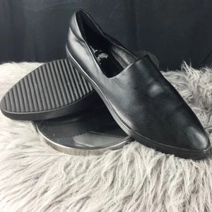 Vince Camuto slip-on pointed toe sneaker